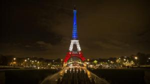 ct-photos-eiffel-tower-in-the-french-flag-s-co-006